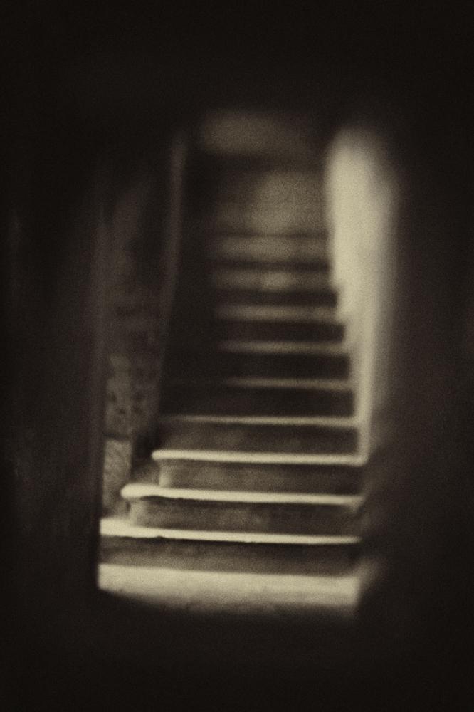Hidden Staircase © Sarah Hadley
