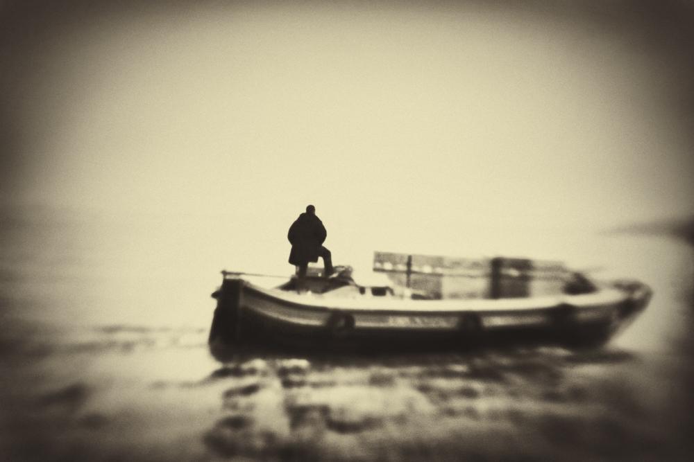 On the lagoon © Sarah Hadley