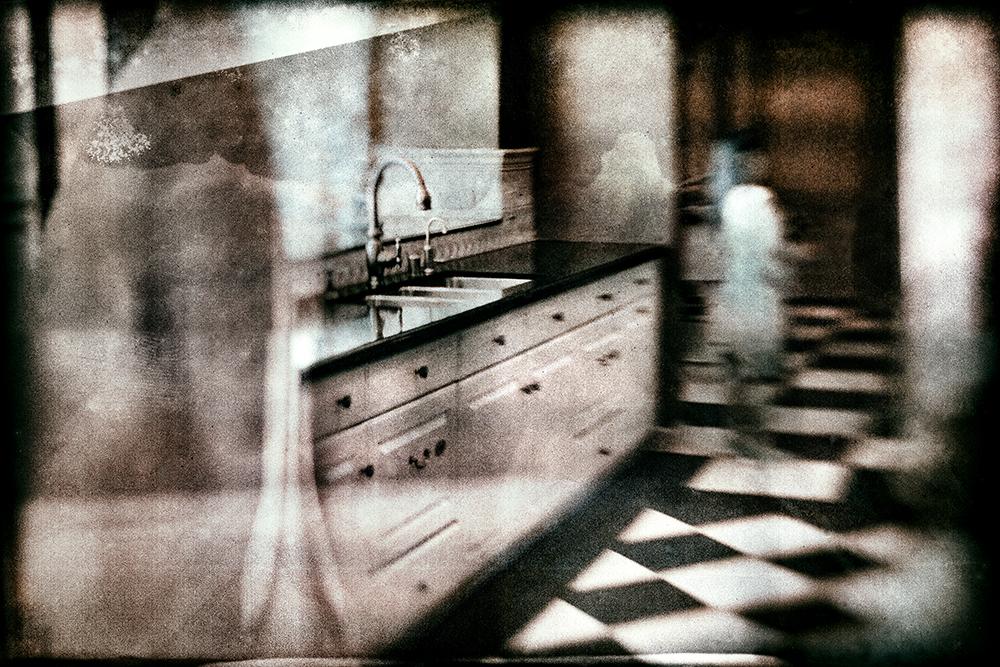 Kitchen Ponder  ©E.K. Waller
