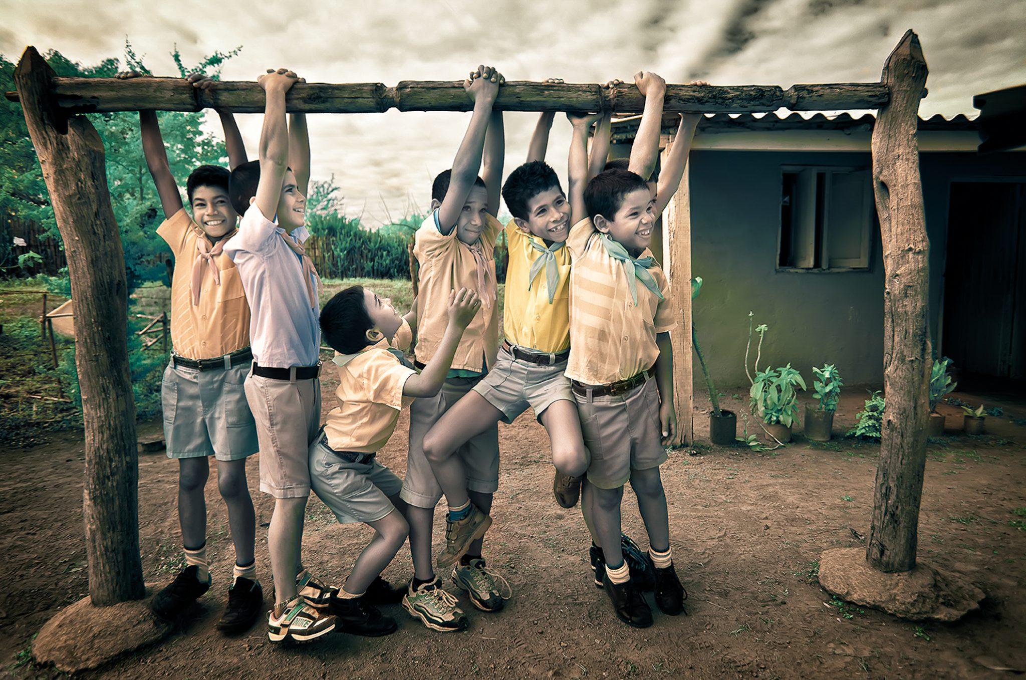 Schoolboys Hang 1/15 © EK Waller