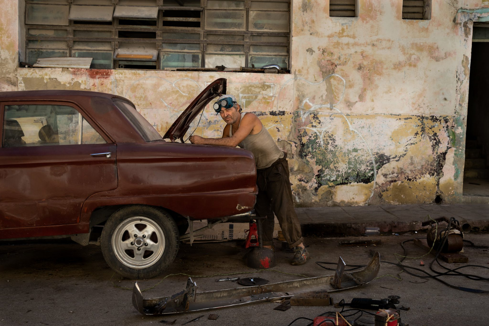 Centro Habana Mechanic  © Brandon Kusher