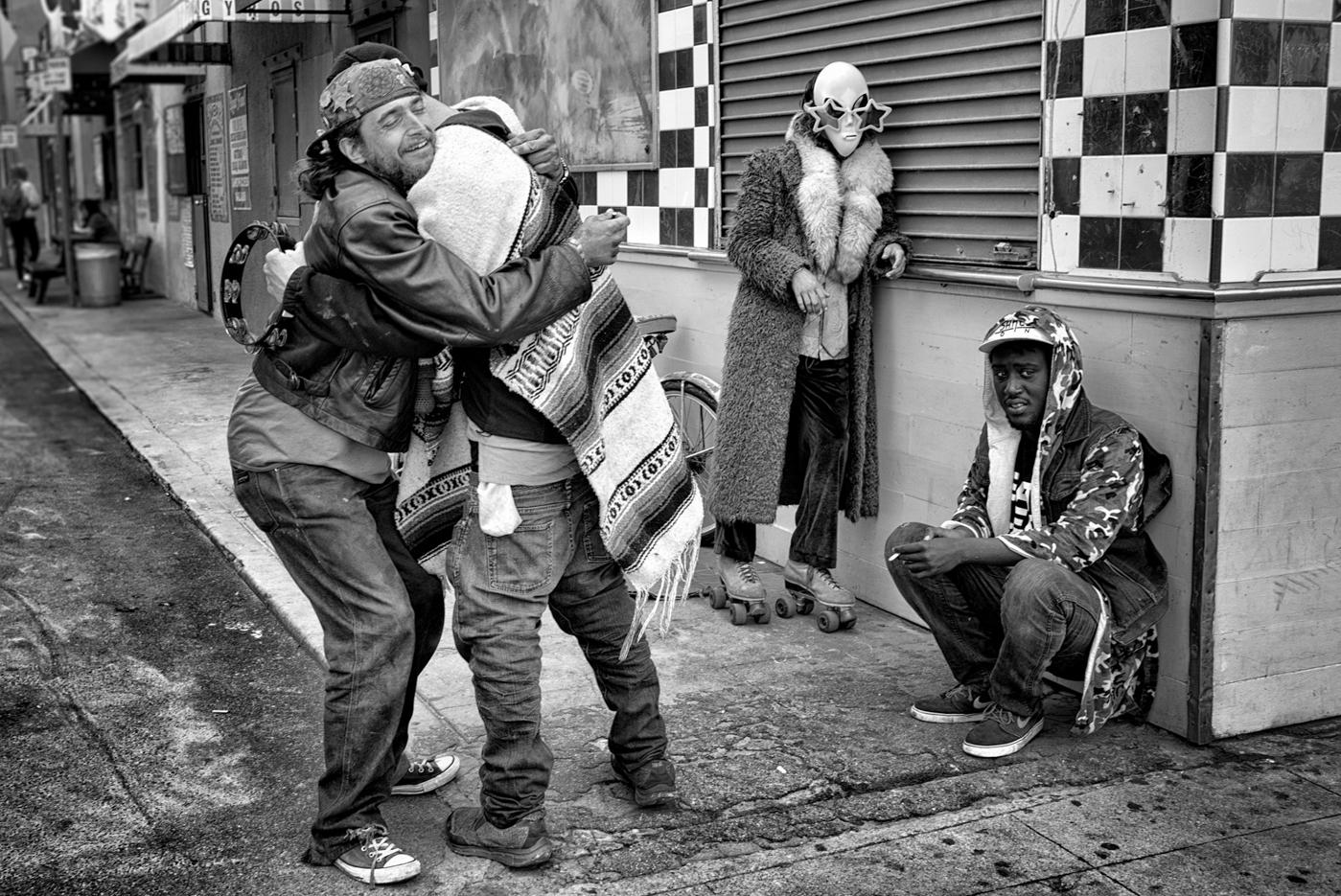 Drunken Hug © Dotan Saguy